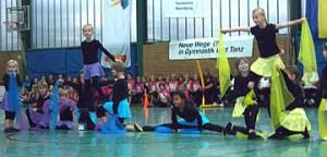 4 Schauturnen Akrobatische Einlage