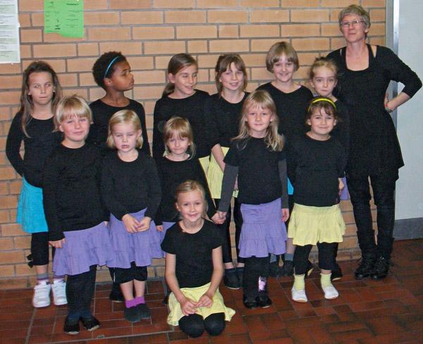 Auch beim Schauturnen in Nienburg im November 2013 ist Landesbergen mit der Kindertanz- und Akrobatikgruppe endlich wieder einmal vertreten!